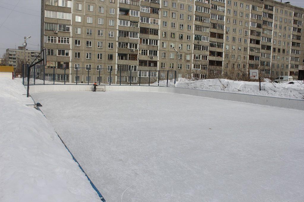 Каток на площадке по ул. Бориса Богаткова, 194