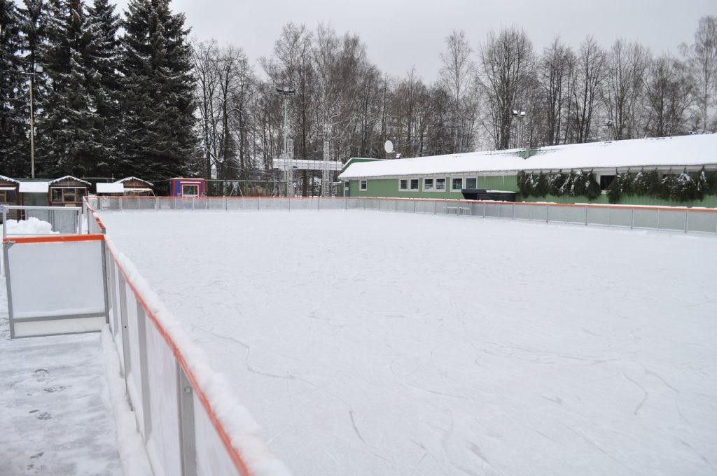 Ледовый каток «Лапландия парк»