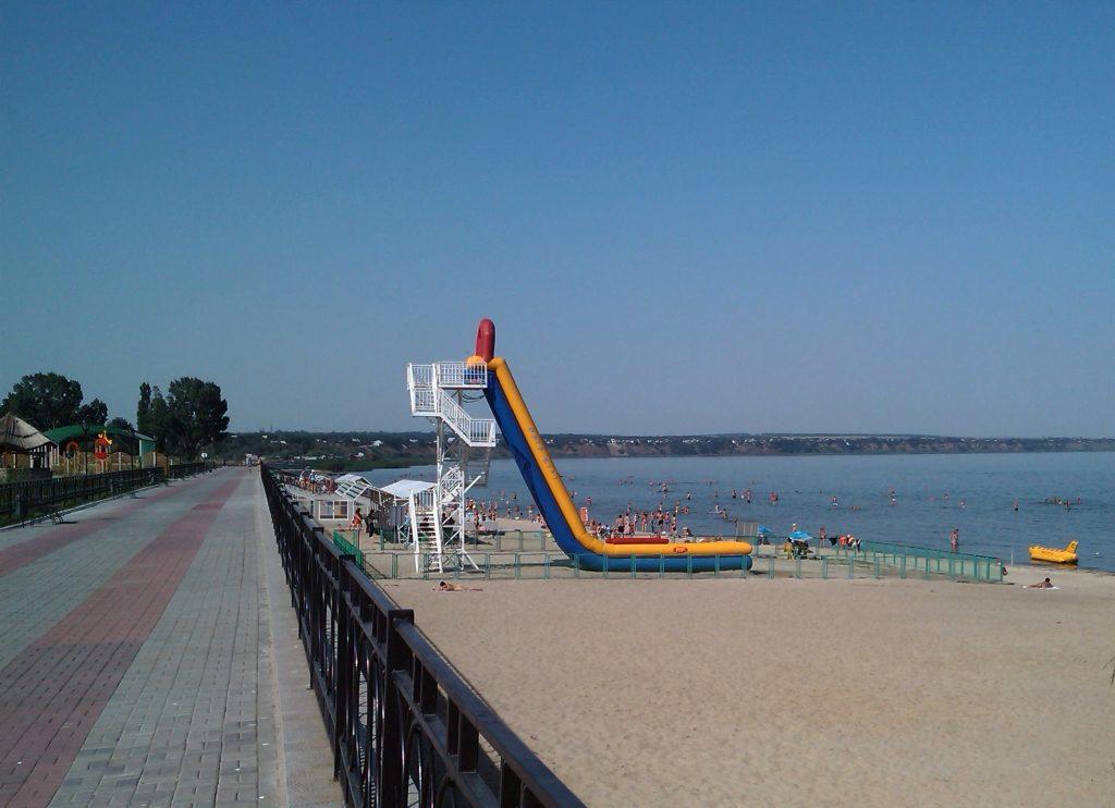 Пляж Чеховской набережной в Таганроге