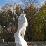 """Скульптура """" Белый танец"""""""