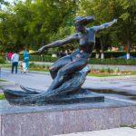 скульптура «Водная лыжница»