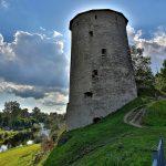 Мстиславская башня Пскова