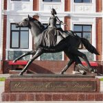 Памятник Елизавете Петровне