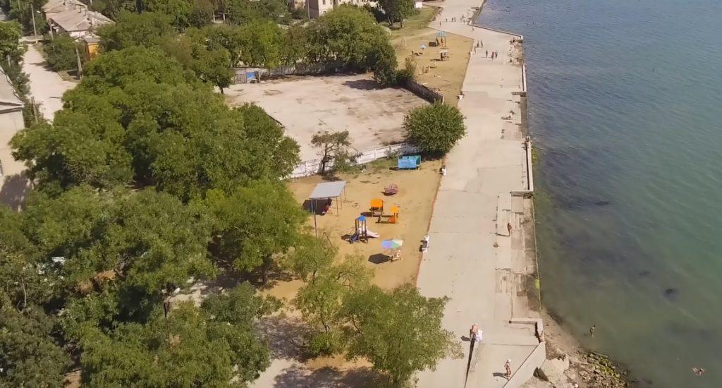 Пляж набережной Керчи