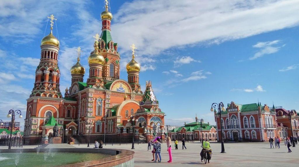Площадь Республики и Пресвятой Девы Марии Йошкар-Оле