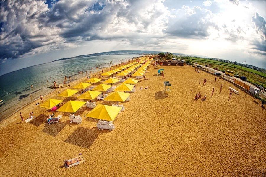 Пляж «Золотые пески» Феодосия