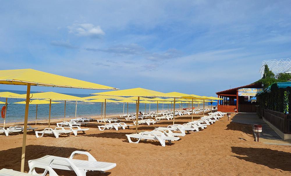 Жемчужный пляж Феодосии