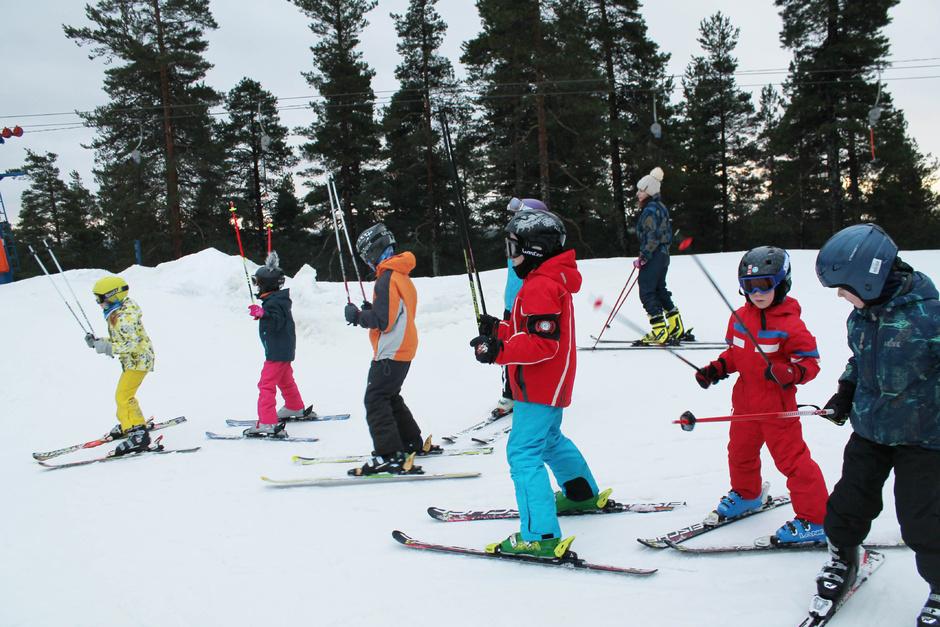Горнолыжная школа горнолыжного курорта Пухтолова гора