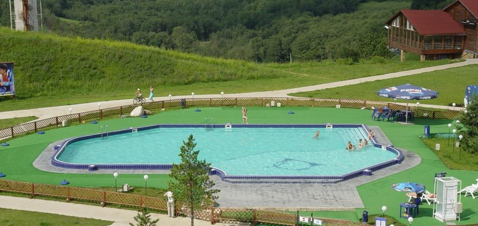 Летний бассейн Горнолыжный курорт Волен