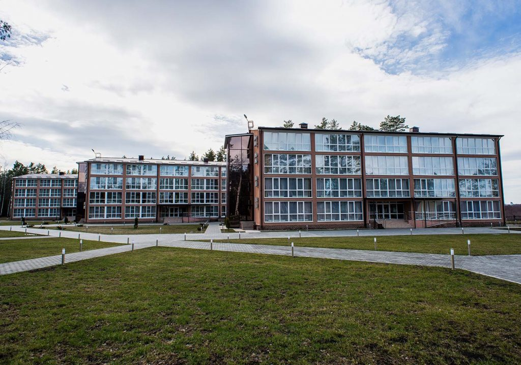 Отели и гостиницы Горнолыжный комплекс Хилл Парк (Hill Park) Большая Кузьминка