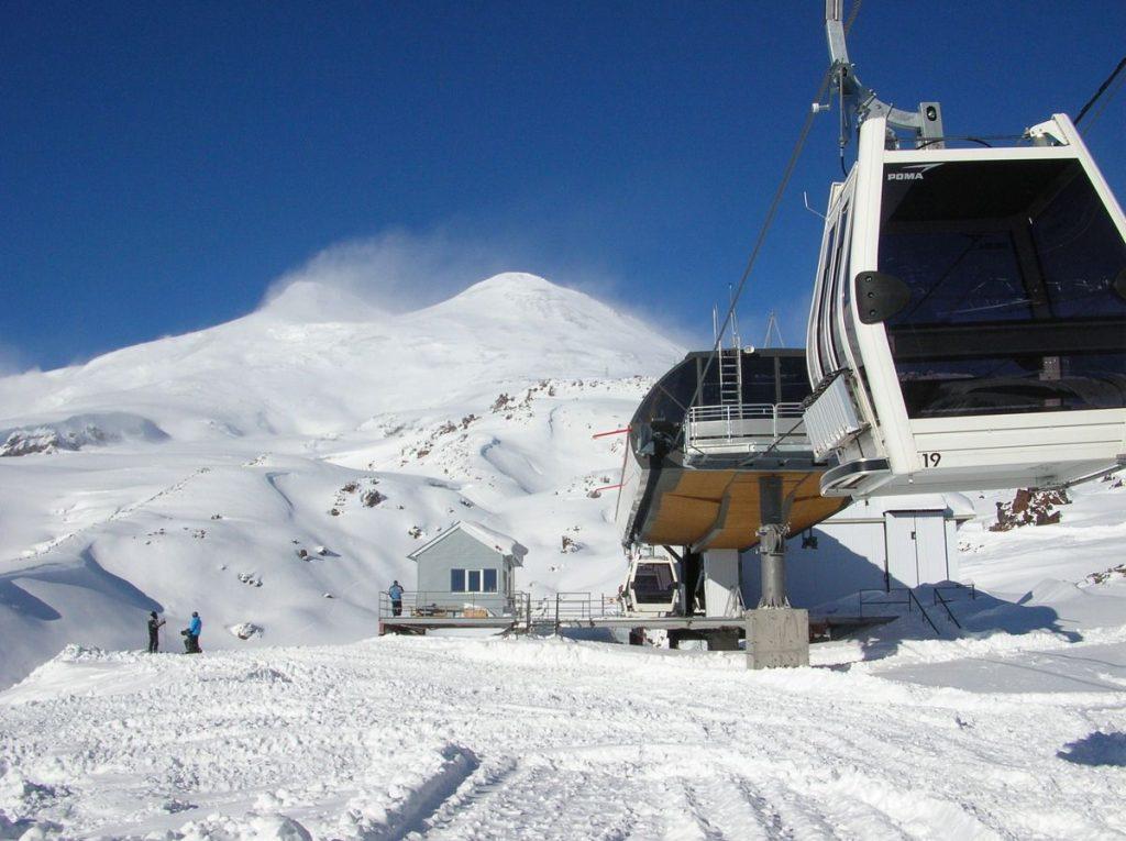 Подъемники Эльбрус Азау - горнолыжный курорт в Приэльбрусье