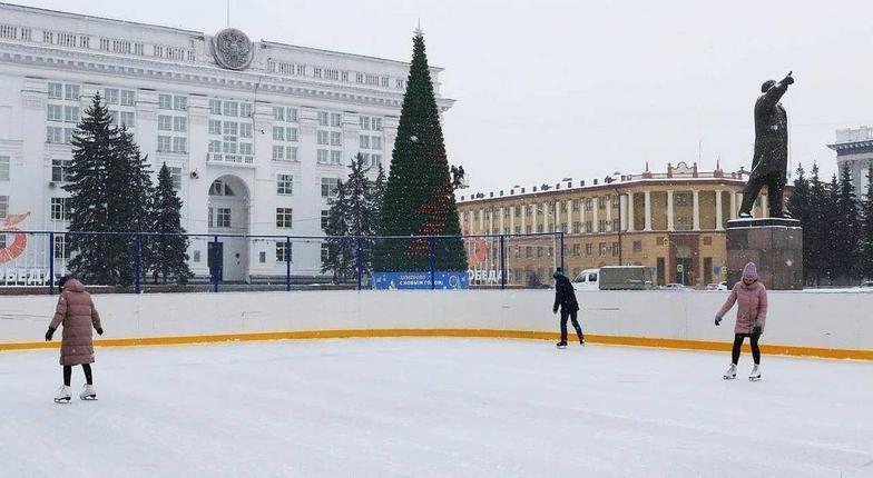 Каток на площади Славы Кемерово