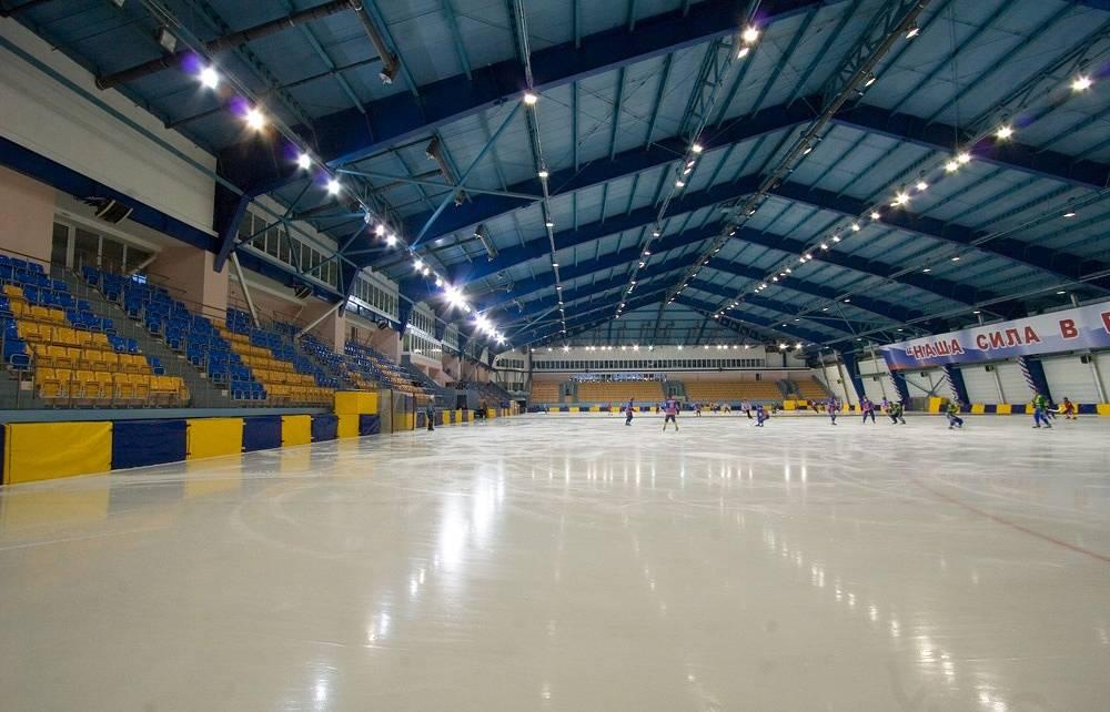 Каток на стадионе Химик в Кемерово